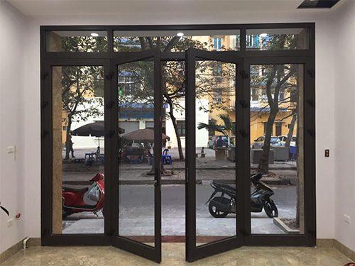 kích thước cửa đi 4 cánh nhôm